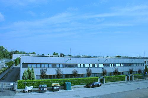azienda uffici esterno alto